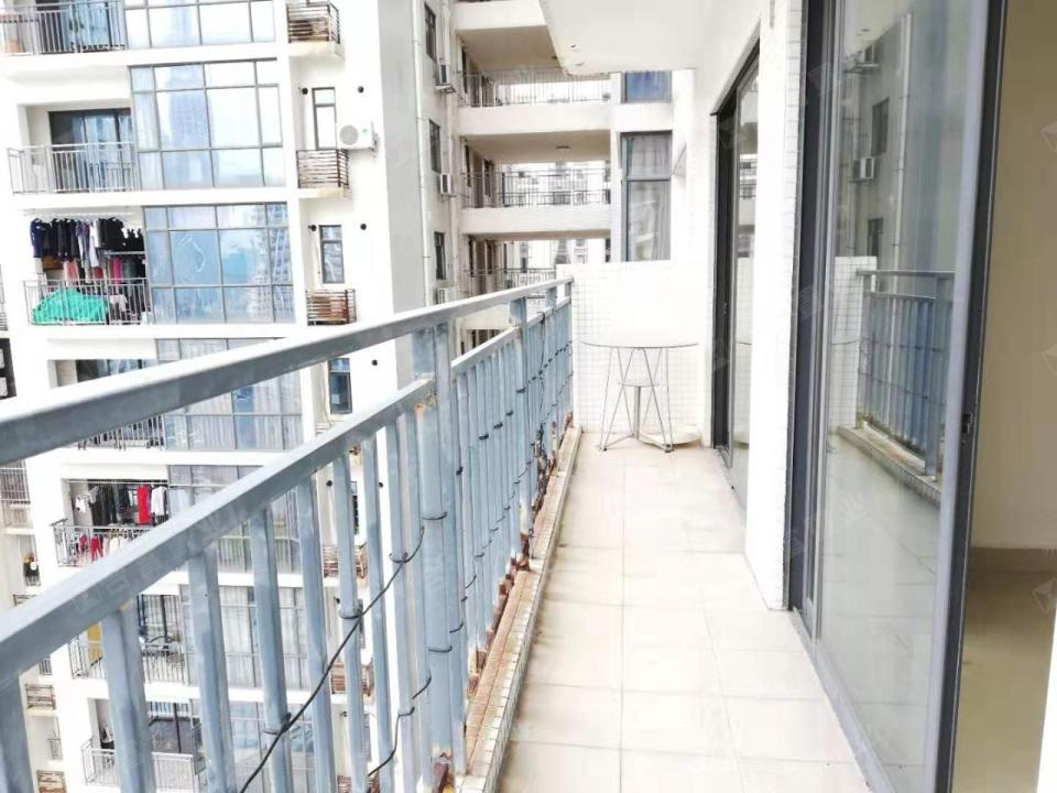 第一国际公寓三期汇一城